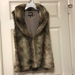 Heartloom Faux Fur Vest Size XS